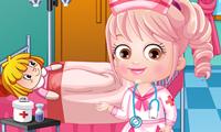 Baby Hazel Berdandan Dokter