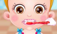 Mała Hania dba o higienę