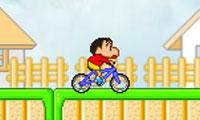 Shin Chan en bicicleta