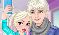 Frozen Couples Selfie Battle