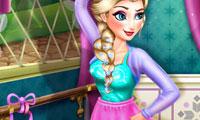 Elsa: Ballet Rehearsal